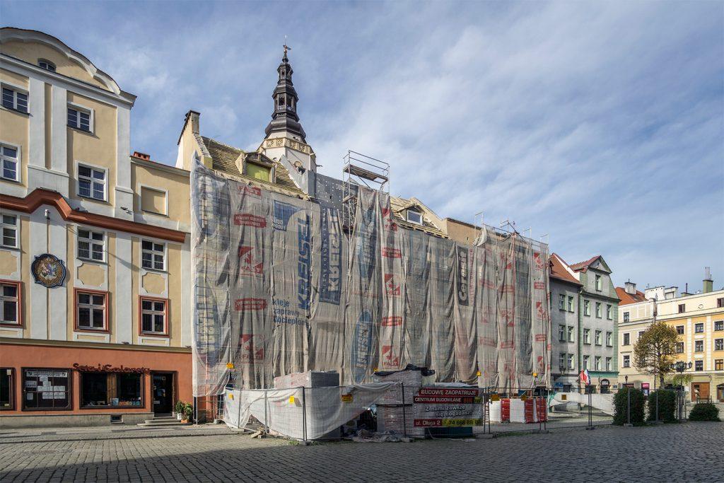Remont modernistycznej kamienicy w świdnickim rynku